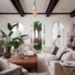 Оформление гостиной комнатными растениями.